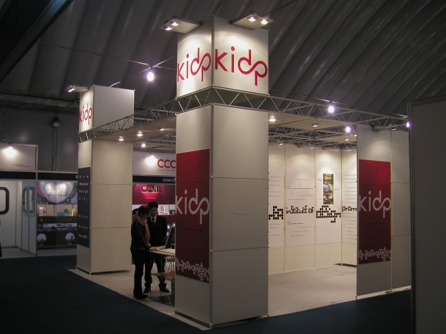 Exhibition stand built with modular boards from Leitner