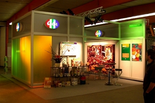 Leitner 10 modular stand with coloured lighting