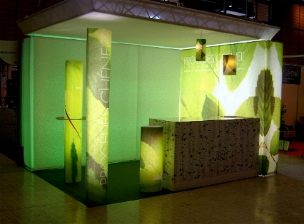 Lighted walls for exhibition display stands